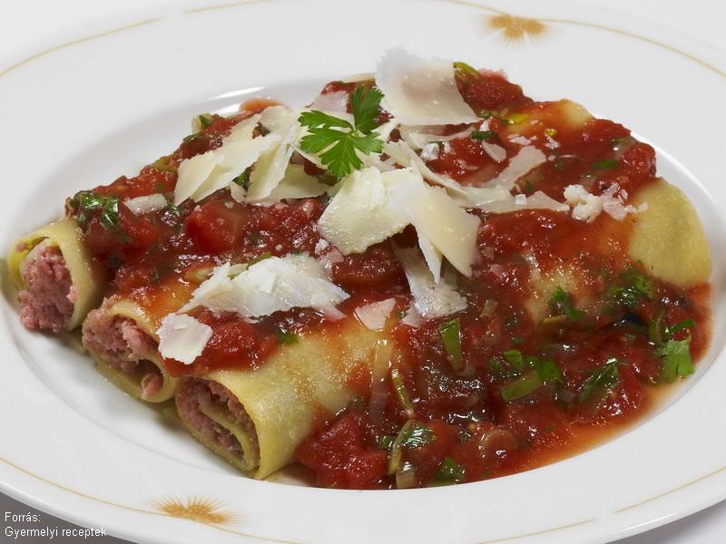 Olívás, pesztós, füstölt sonkás cannelloni lasagne tésztából  -  készítette Vomberg Frigyes mesterszakács
