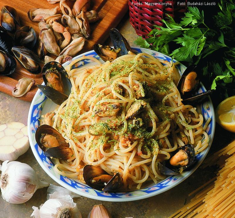 Fekete kagylós spagetti  -  Spaghetti alle cozze