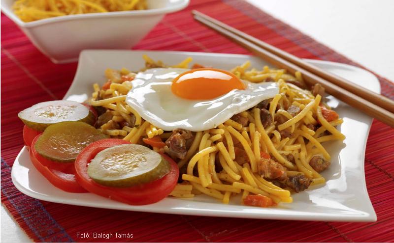 Indonéz húsos metélt (bami)  -  Dózsa György mesterszakács receptje