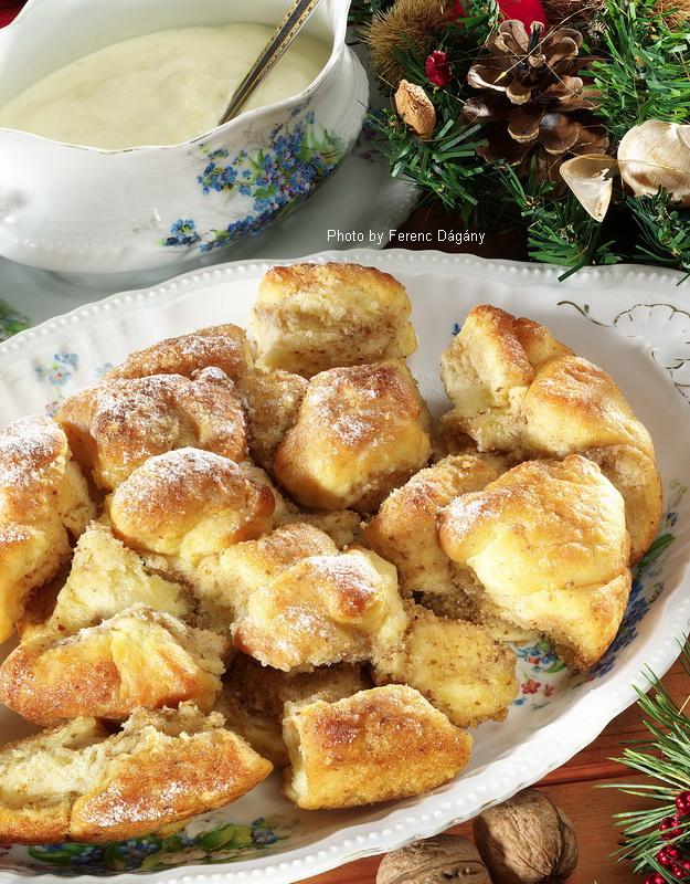 Golden Puffs with Wine Sauce  -  (Aranygaluska borhabbal)