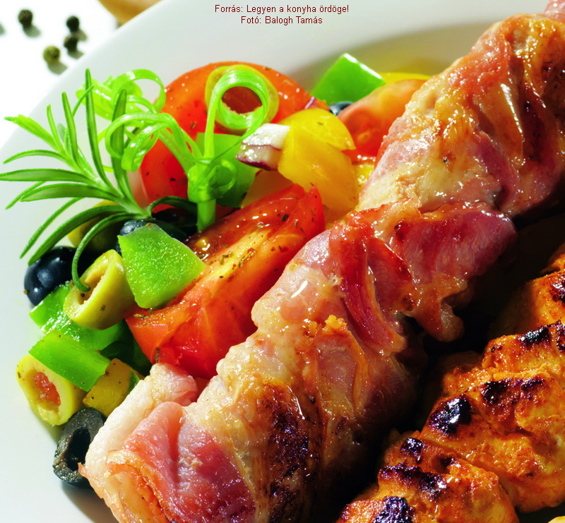 Marinated Chicken Skewers Wrapped in Bacon - (Pácolt csirkenyársak szalonnába tekerve)