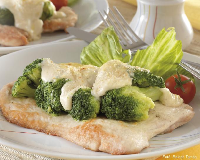 Pulyka- vagy csirkejava brokkolival vagy kelbimbóval csőben sütve