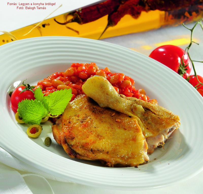 Sült csirkecomb görög paradicsomos babbal