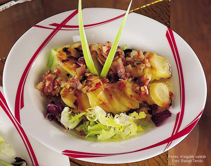 Újburgonya-saláta melegen, ropogós szalonnával