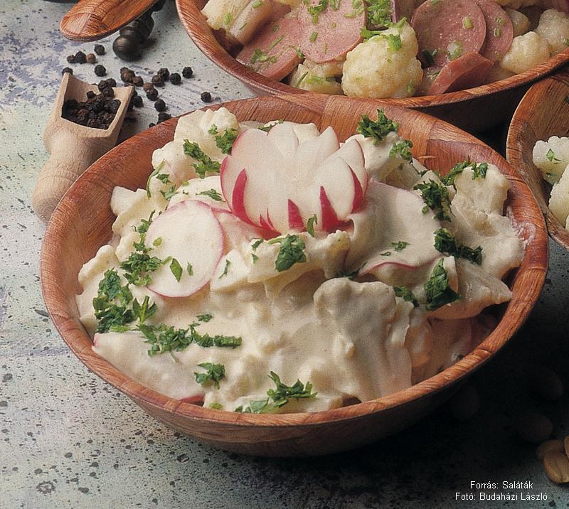 Joghurtos, mustáros karfiolsaláta