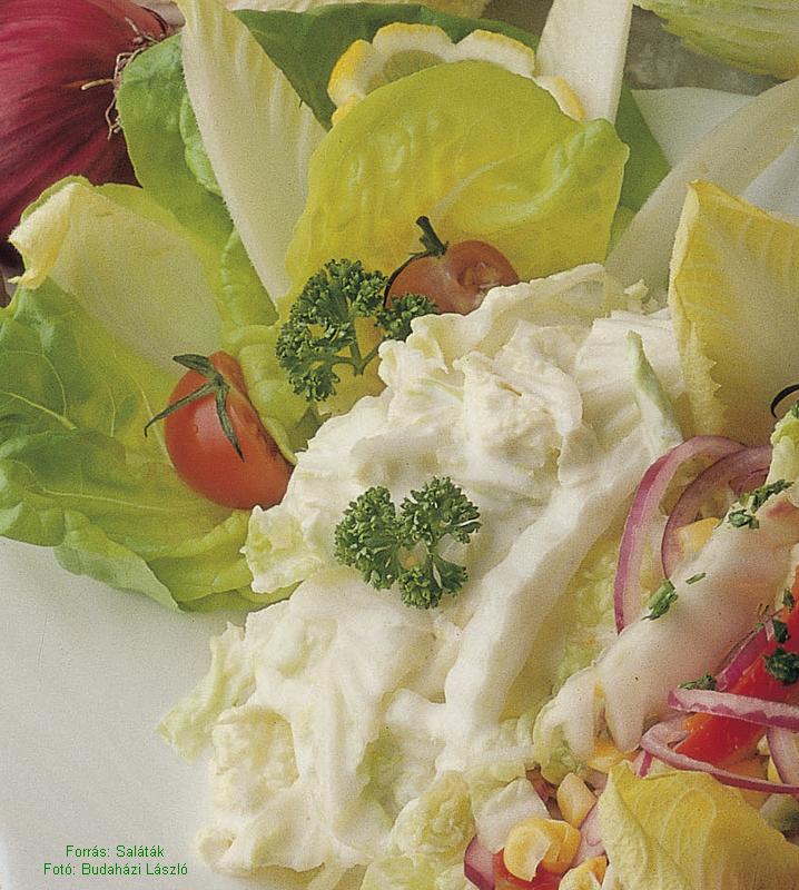 Majonézes, fűszeres kínaikel-saláta
