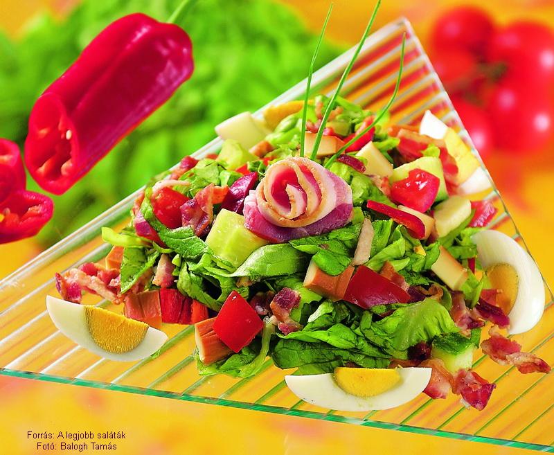 Sajtos, szalonnás saláta