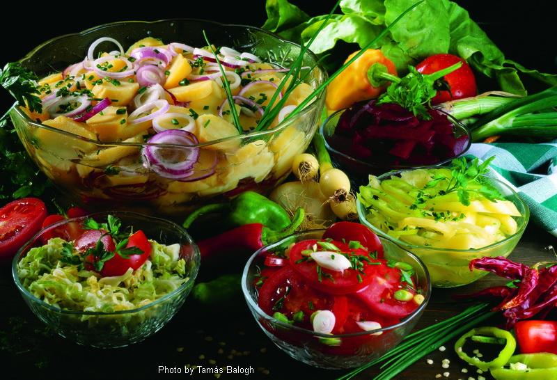 Einfache Salate  -  (Egyszerű saláták)