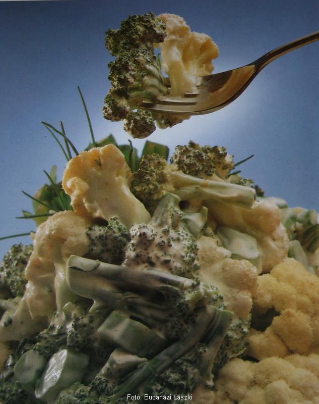 Majonézes, karfiolos brokkolisaláta