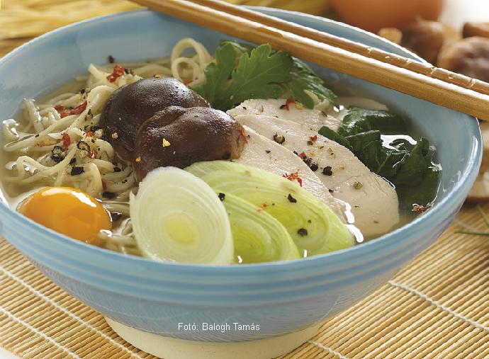 Nabeyaki udon (japán tésztaleves)  -  készítette Nemeskövi Dénes mesterszakács