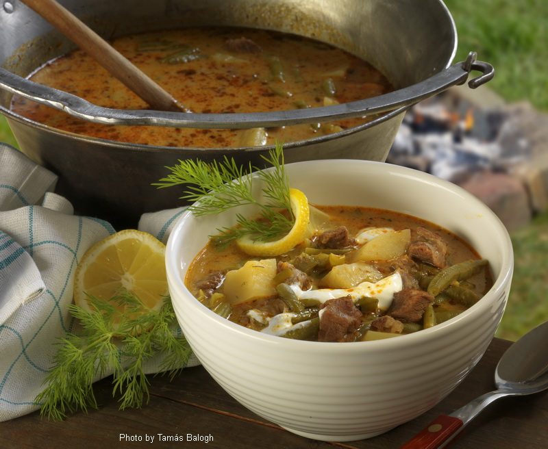 Suppe nach Paloczenart  -  (Palócleves)