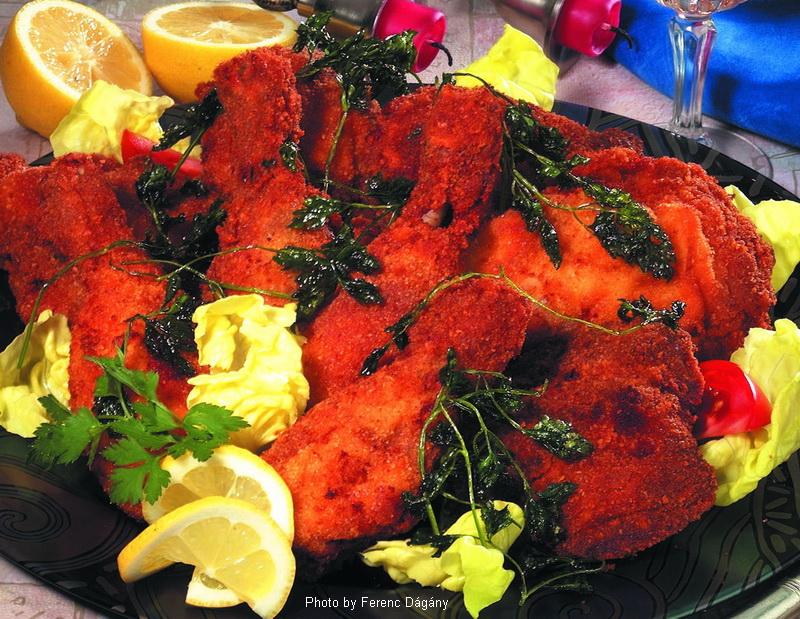 Gebackene Hühnerkeulen  -  (Rántott csirkecombok)