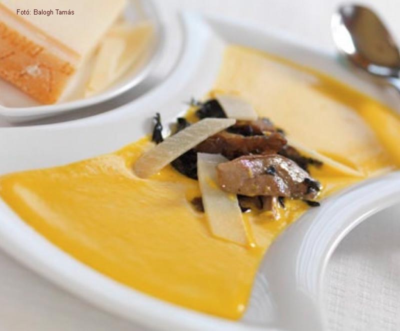 Sütőtök-krémleves erdei gombákkal  -  Gordon Ramsay receptje