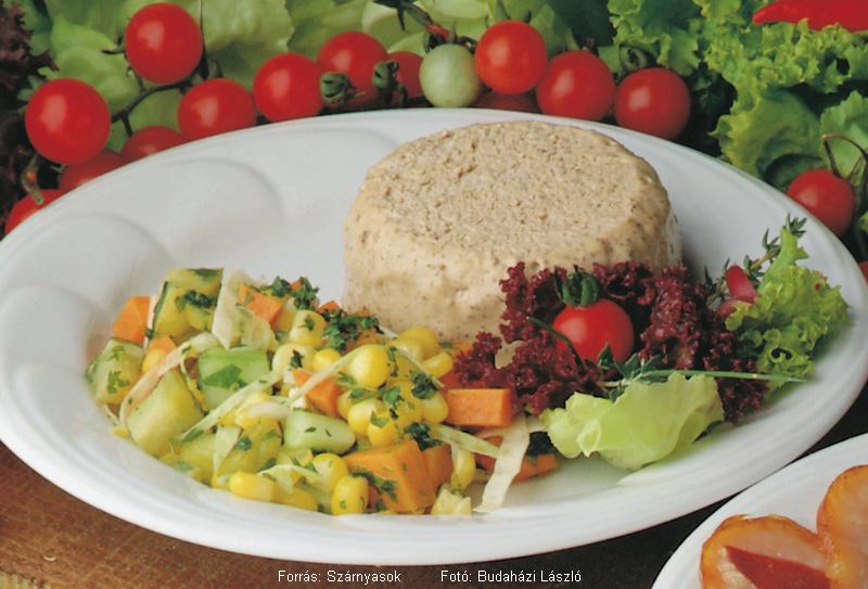 Kacsamájparfé francia kevert salátával