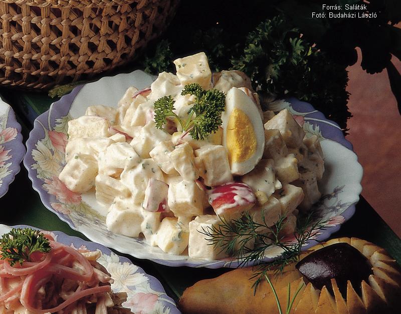 Almás, sajtos körtesaláta