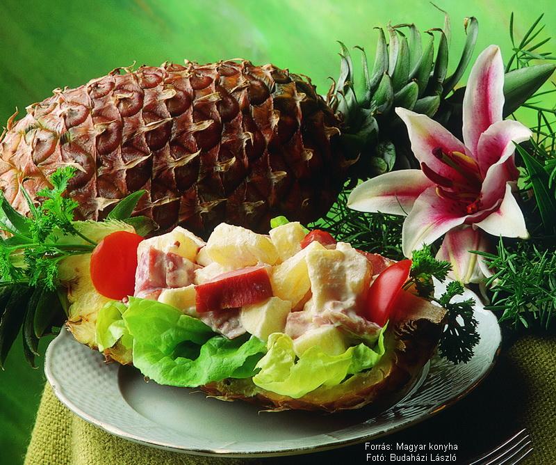Ananászos sonkasaláta