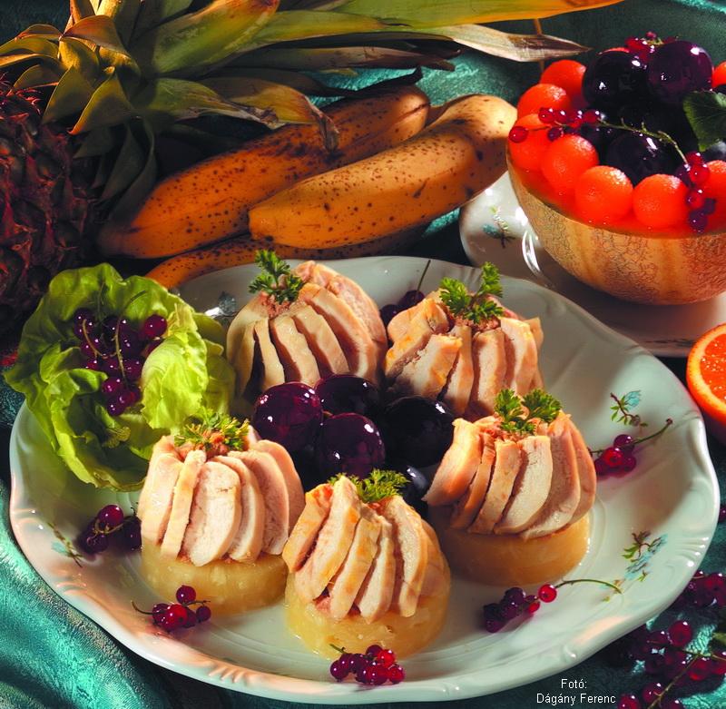 Ananászos csirkemell gyümölcsökkel