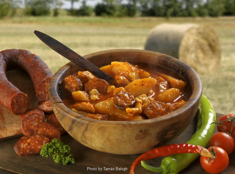 Pommes de terre au paprika  -  (Paprikás krumpli)