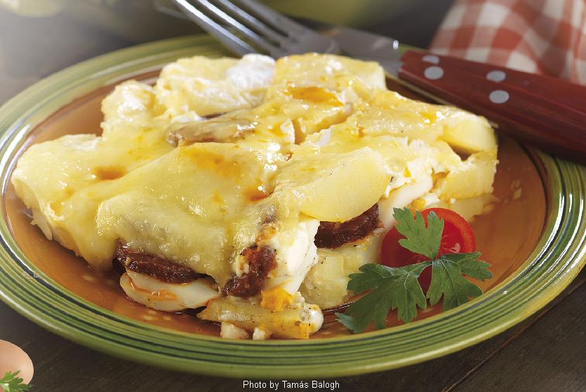 Pommes de terre au gratin  -  (Rakott burgonya)
