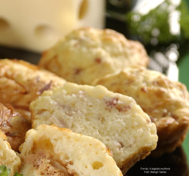 Sajtos, sonkás muffin
