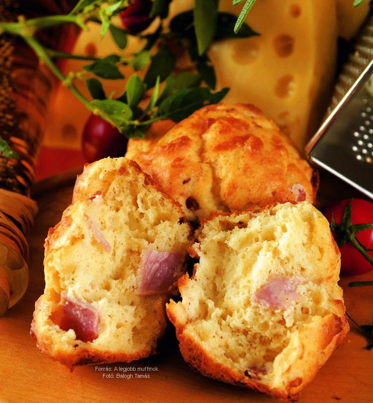 Sajtos, sonkás, tejfölös muffin