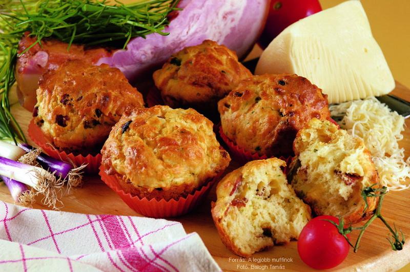 Sajtos, szalonnás, hagymás muffin