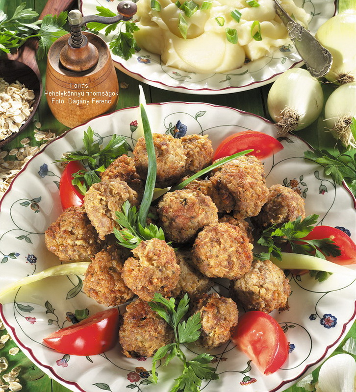 Meat Balls with Oat Flakes - (Zabpelyhes húsgombócok)