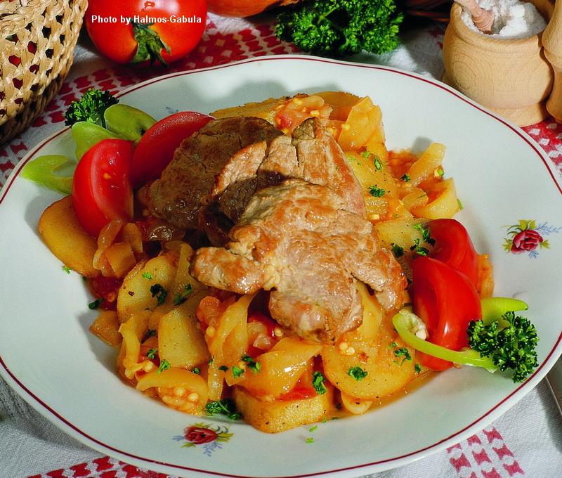 Filet de porc rôti à la hongroise  -  (Magyaros szûzpecsenye)