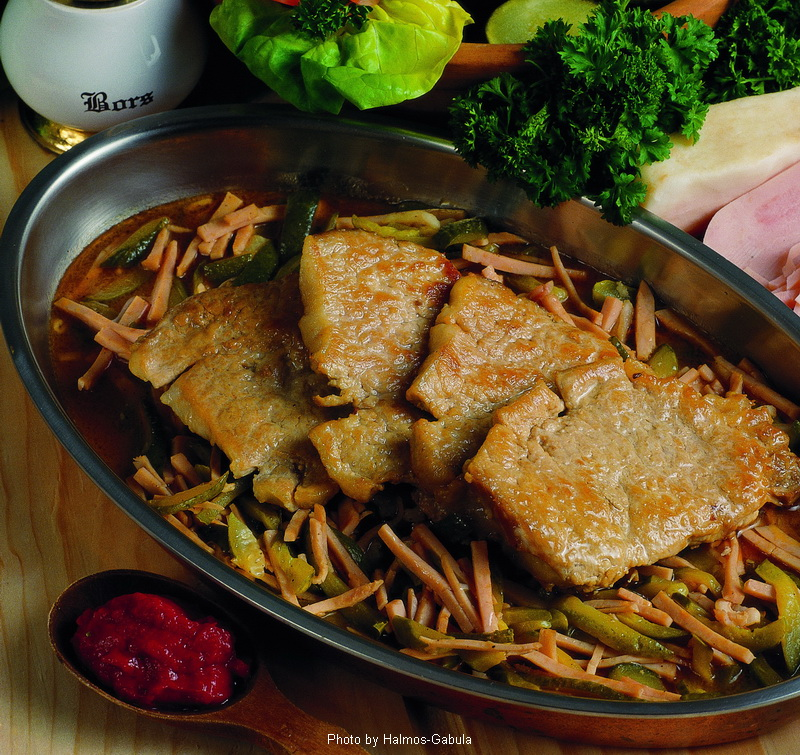 Côtelettes de porc à la charcutière  -  (Sertésborda hentes módra)