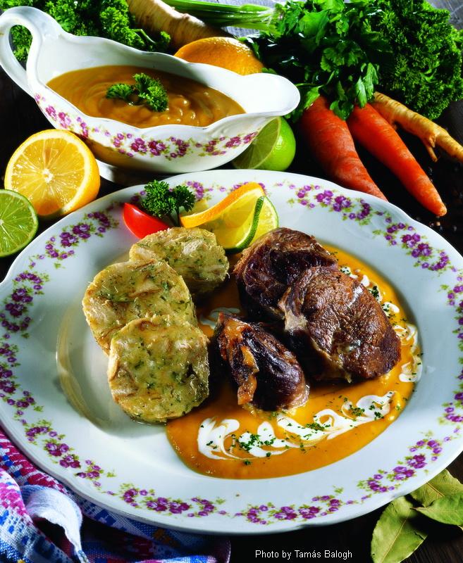 Bœuf en sauce au vin  -  (Vadas marhasült)