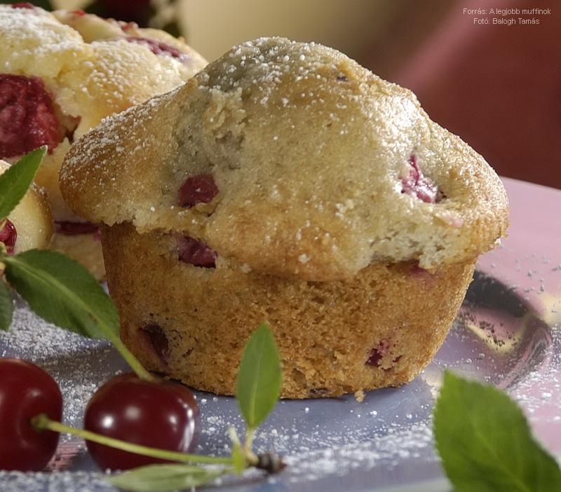 Meggyes joghurtos muffin