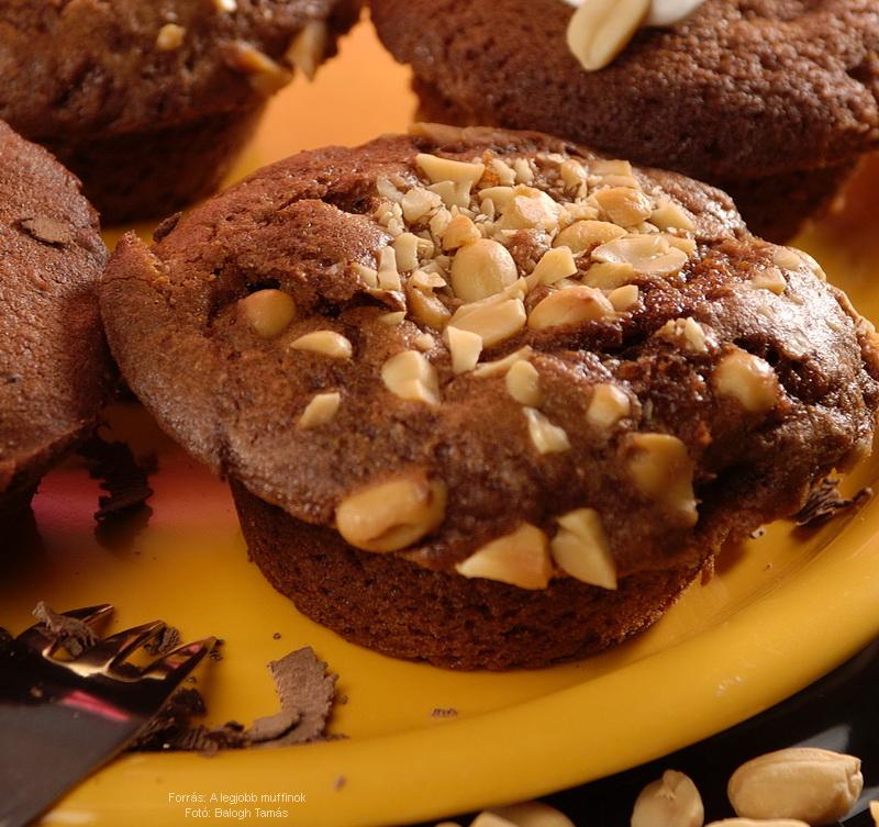 Mogyorós, lekvárral töltött muffin