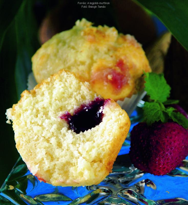 Kókuszos, eperlekvárral töltött muffin
