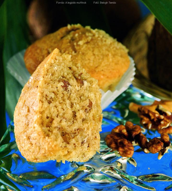 Kókuszos, kávés, diós muffin