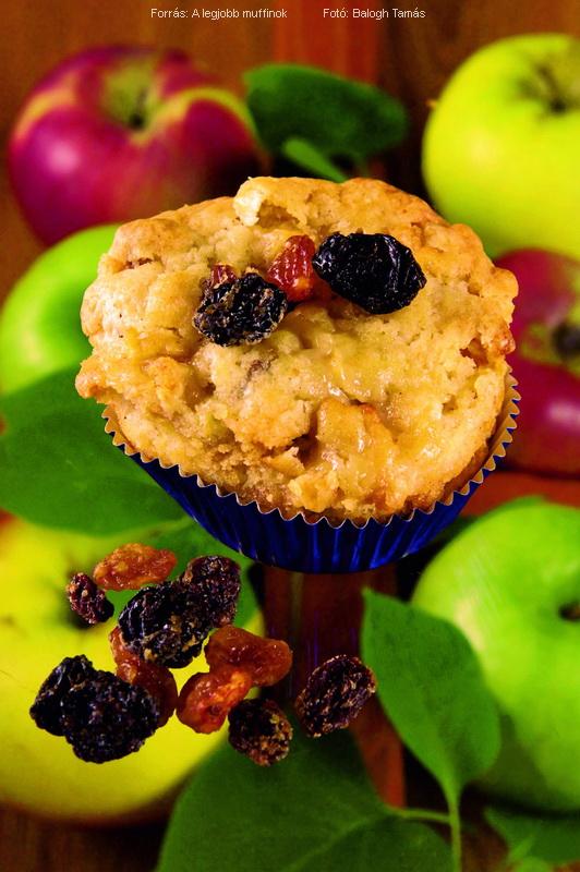 Almás, diós, mazsolás muffin