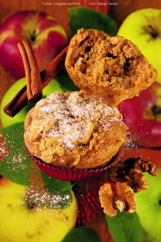 Almás, diós, morzsás muffin