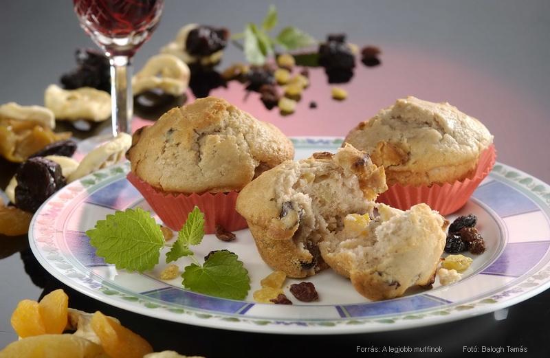 Boros, aszalt gyümölcsös muffin