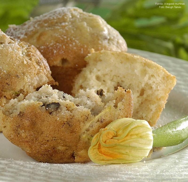 Cukkinis, diós mazsolás muffin