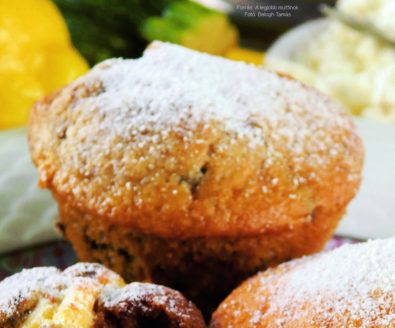 Cukkinis, fűszeres muffin