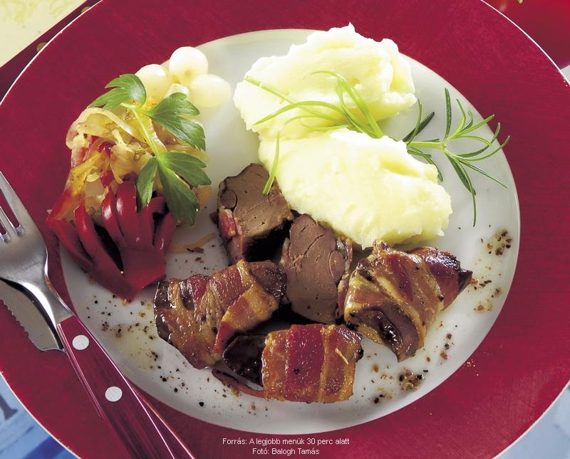 Húsos szalonnában sült pecsenyeliba- vagy pulykamáj