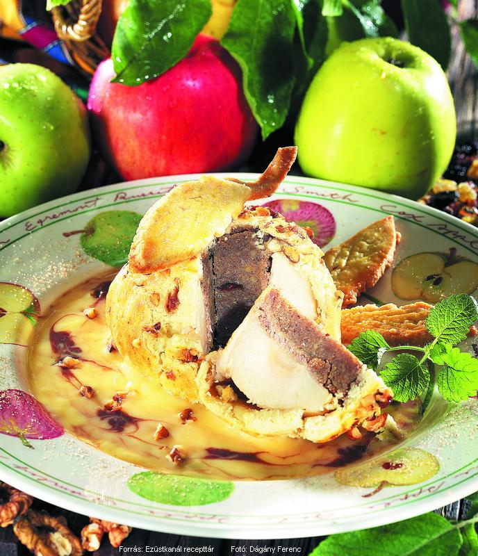 Dióval töltött alma tésztában sütve