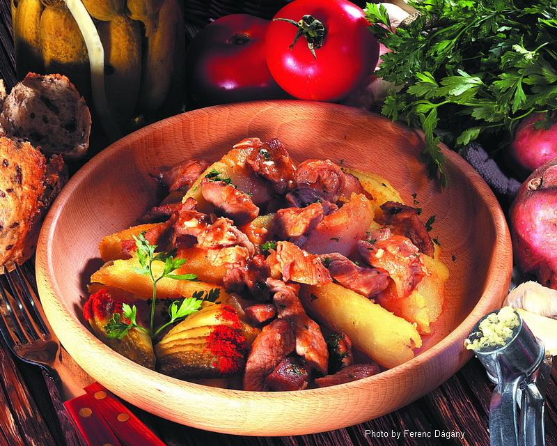 Stufato di maiale alla Brassó - (brassói aprópecsenye)
