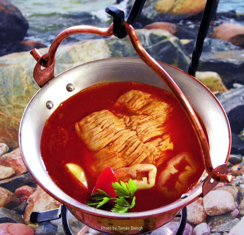 Zuppa di pesce - (halászlé)
