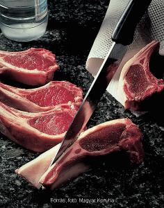 Roston sült fűszeres 1. báránykaraj fokhagymás burgonyapürével 1