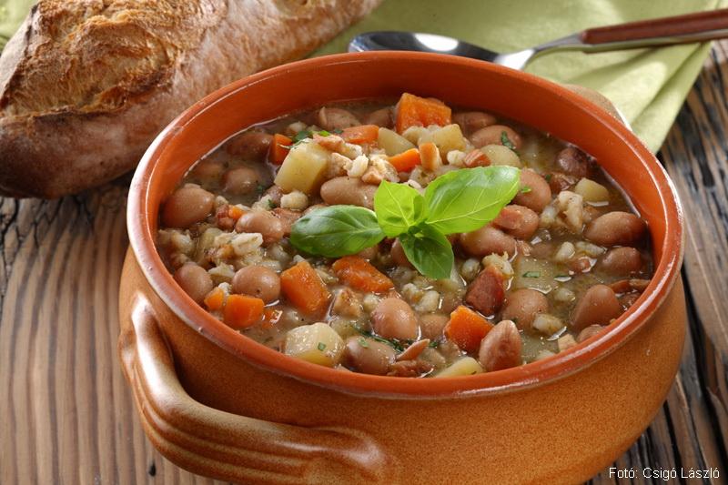 Bableves árpagyönggyel (északkelet-olasz recept)