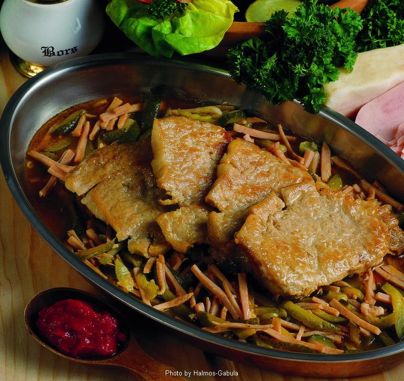 Costillar de cerdo al estilo del carnicero - (Sertésborda hentes módra)