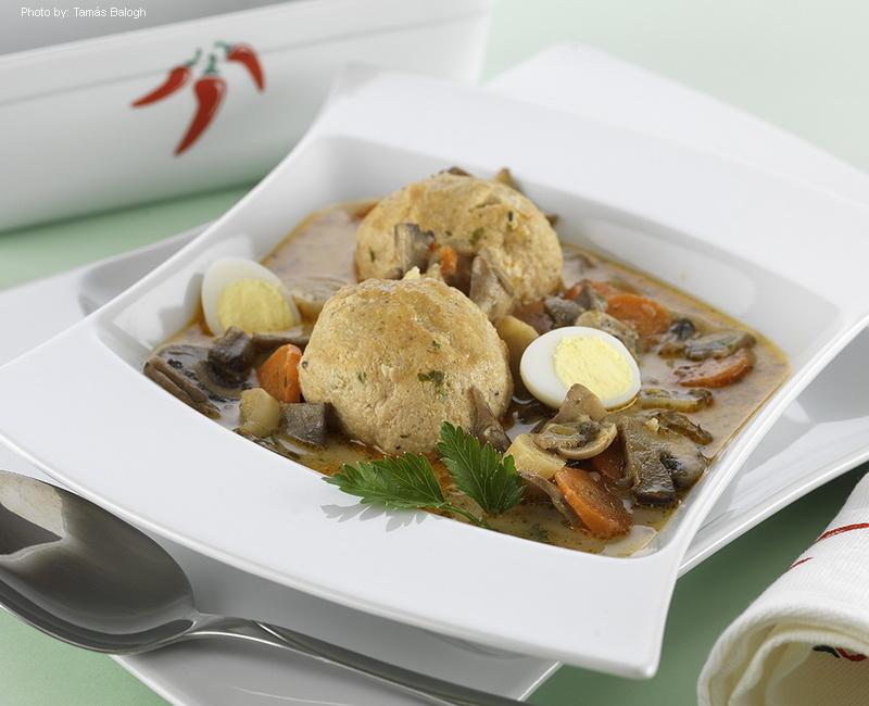 Sopa de setas a la Kalocsa - (Kalocsai gombaleves)