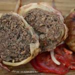 Hússal bélelt hagyma szalonnaburokban (grillezett töltött hagyma) - készítette Fülekiné Gracza Csilla - Dunaújváros