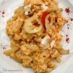 Sült paprika juhtúróval és tojással (kárpátaljai népi étel)