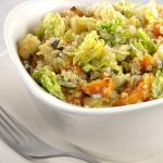 Kelkáposztás, sütőtökös quinoasaláta